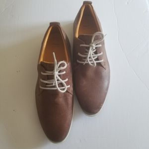 NWT Bata leather  oxfords  shoes